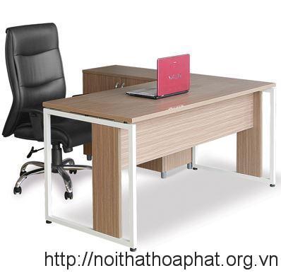 ban-nhan-vien-chan-sat-hoa-phat-HR140C9LT