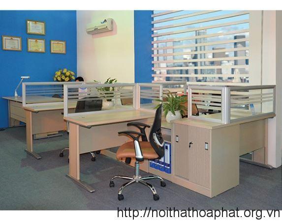 ban-nhan-vien-module-hoa-phat-NTMD01C3A