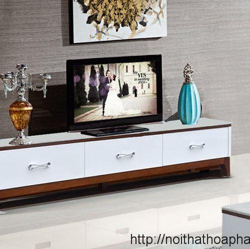 ke-tivi-cao-cap-khung-go-tu-nhien-KTV17